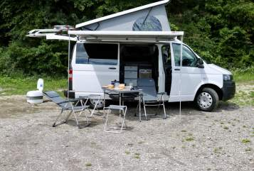 Hire a motorhome in Schrobenhausen from private owners| VW Procyon