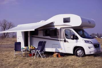 Hire a motorhome in Potsdam from private owners| Carado Wölfi