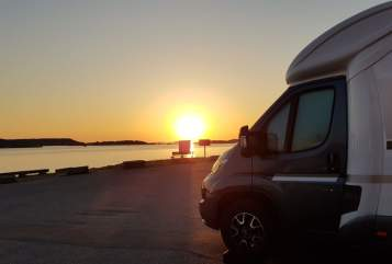 Hire a motorhome in Bernburg (Saale) from private owners| Giottiline Therry 37 S Therry