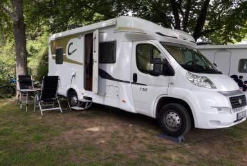 Hire a motorhome in Bad Langensalza from private owners| Carado Carado T345