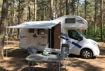 Hire a motorhome in Berlin from private owners| Ahorn B-Hörnchen