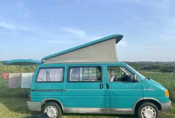 Hire a motorhome in Frankfurt am Main from private owners| Volkswagen Fred