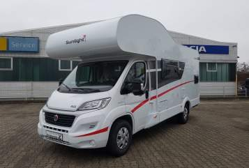 Hire a motorhome in Mannheim from private owners| Sunlight Freedom on Tour