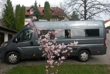 Hire a motorhome in Hergatz from private owners| Clever  Marathon-Runner