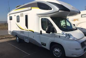 Hire a motorhome in Stuttgart from private owners| Fiat Ducato Luxus Camper PLA 742