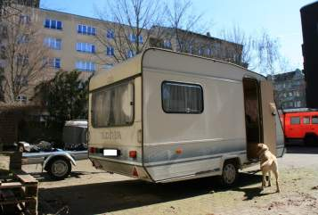Hire a motorhome in Berlin from private owners| Adria Kosmonaut