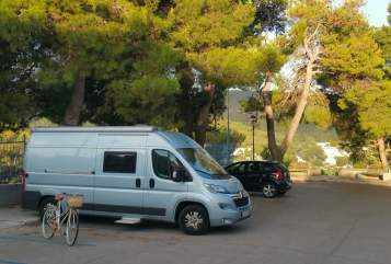 Hire a motorhome in Berlin from private owners| Citroen Herzilein