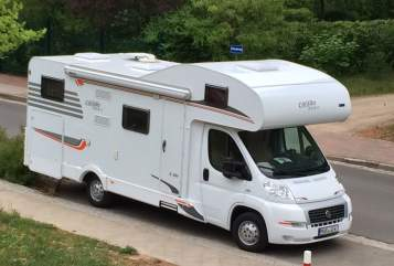 Hire a motorhome in Waren (Müritz) from private owners| Carado A464 WOMI Carado A464