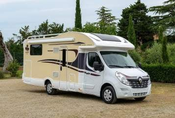 Hire a motorhome in Bad Segeberg from private owners| Ahorn  AHORN Automatik