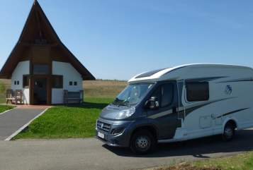 "Hire a motorhome in Gera from private owners| Knaus ""Wohni"""