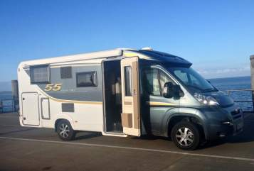 Hire a motorhome in Duisburg from private owners| Bürstner Nexxo T690  fifty five