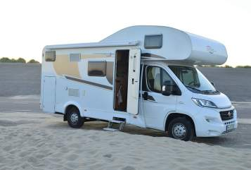 Hire a motorhome in Köln from private owners| Fiat Ducato Emma - Carado  (A361)