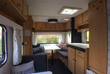 Hire a motorhome in Hamburg from private owners| Knaus Beule500