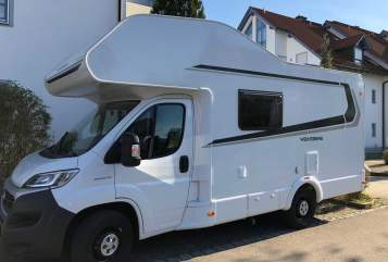 Hire a motorhome in Ottobeuren from private owners| Weinsberg Roadrunner