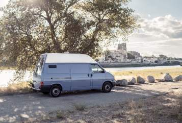 Hire a motorhome in Dresden from private owners| VW Muli 2.0