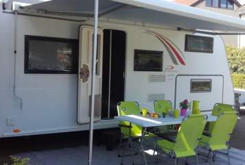 Hire a motorhome in Ofterdingen from private owners| Bürstner Green Lounge