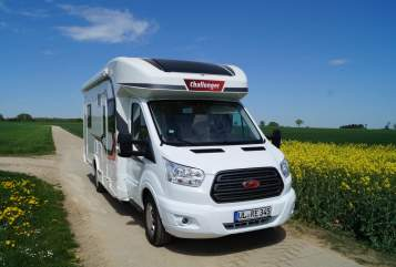 Hire a motorhome in Ehingen (Donau) from private owners| Challenger Familycamper
