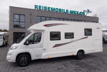 Hire a motorhome in Schwetzingen from private owners| PLA  Ursula