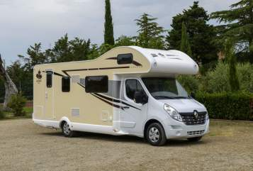 Hire a motorhome in Apolda from private owners| Renault  Bob