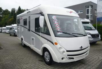 Hire a motorhome in Gütersloh from private owners| Carthago Carthago c-compactline I 143 Modell 2018