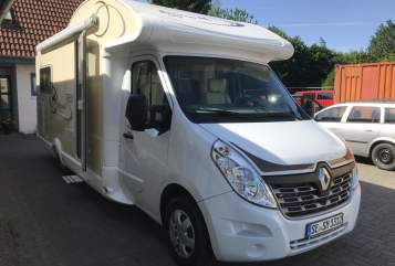 Hire a motorhome in Bad Segeberg from private owners| Ahorn  Ahorn Kentucky LG mit Standklima für den richtigen Sommer + 2xTV+SAT