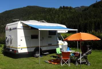 Hire a motorhome in Purkersdorf from private owners| Euramobil FamilyWoMo