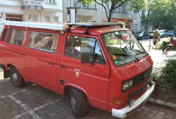 Hire a motorhome in Berlin from private owners  VW T3  Herr Bünsdorf