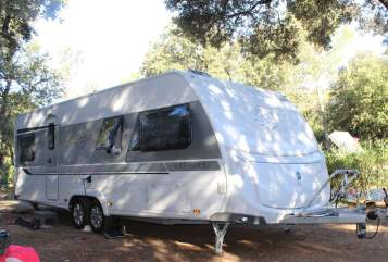 Hire a motorhome in Mechernich from private owners| KNAUS FamiWoWa MauSi