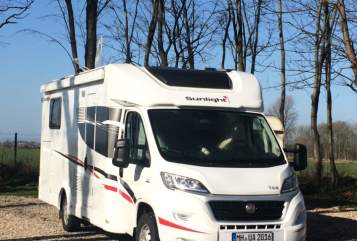 Hire a motorhome in Mülheim an der Ruhr from private owners| Sunlight Paulina