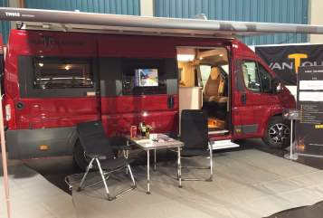 Hire a motorhome in Weißenhorn from private owners| Vantourer VT630_2019