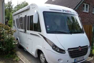 Hire a motorhome in Solingen from private owners| Pilote  (auf Fiat Ducato Basis ) Harry Sol