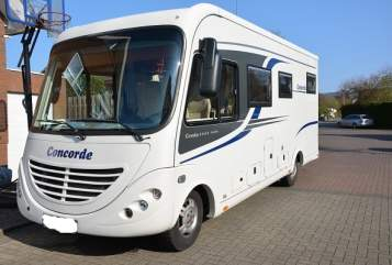 Hire a motorhome in Hildesheim from private owners| Concorde Credo 693