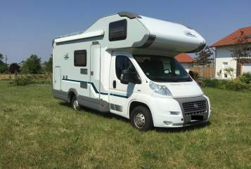 Hire a motorhome in Rietz-Neuendorf from private owners| Fiat Fluchthelfer