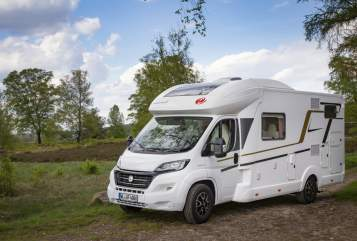 Hire a motorhome in Asendorf from private owners| Euro Mobil Heidemobil