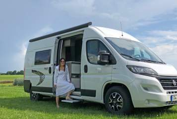 Hire a motorhome in Rohrdorf from private owners| Chausson Lucky Camper