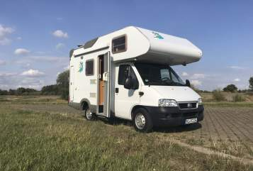 Hire a motorhome in Petershagen from private owners| Knaus Franco Monti