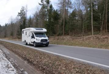 Hire a motorhome in Esslingen am Neckar from private owners| Ford Feel Free