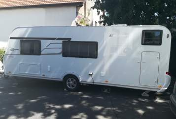 Hire a motorhome in Wöllstadt from private owners| Eriba Kiki