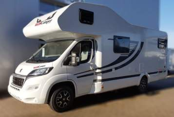 Hire a motorhome in Hassendorf from private owners| ELCHCamper Mobby Dick  700