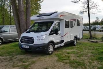 Hire a motorhome in Barendorf from private owners| Ford  Rolli