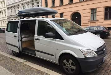 Hire a motorhome in Berlin from private owners  Mercedes Benz Mimi