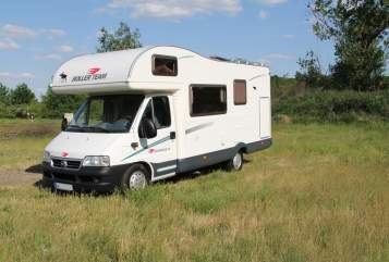 Hire a motorhome in Berlin from private owners| Roller Team  Obelix