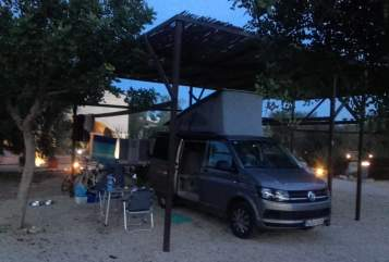 Hire a motorhome in München from private owners| VW T6 California Coast Coco