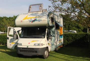 Hire a motorhome in Bergisch Gladbach from private owners| Fiat Active