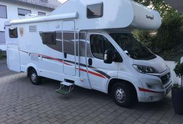 Hire a motorhome in Sandberg from private owners| Sunlight Alfred