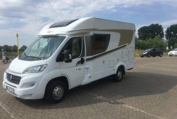 Hire a motorhome in Duisburg from private owners| Carado  Mari
