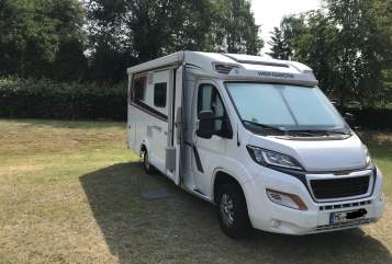 Hire a motorhome in Mönchengladbach from private owners| Weinsberg  Peppi