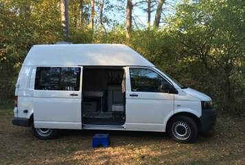 Hire a motorhome in Rostock from private owners| VW T5Hochdachbulli
