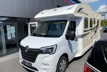 Hire a motorhome in Bad Segeberg from private owners| Ahorn Ahorn Canada TE