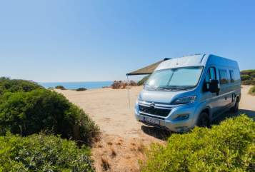 Hire a motorhome in Dresden from private owners| Citroen Blue